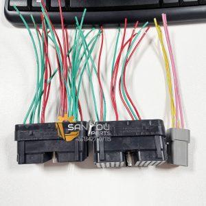 600-475-1102 Engine Controller Plug PC130-8 Controller Socket
