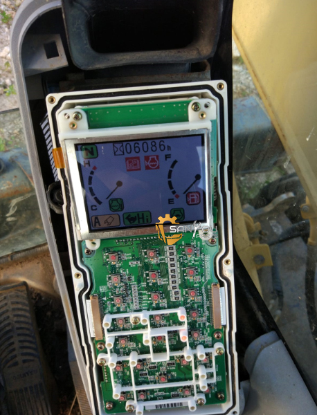 PW200-7 LCD PW220-7 LCD PW150-7 LCD
